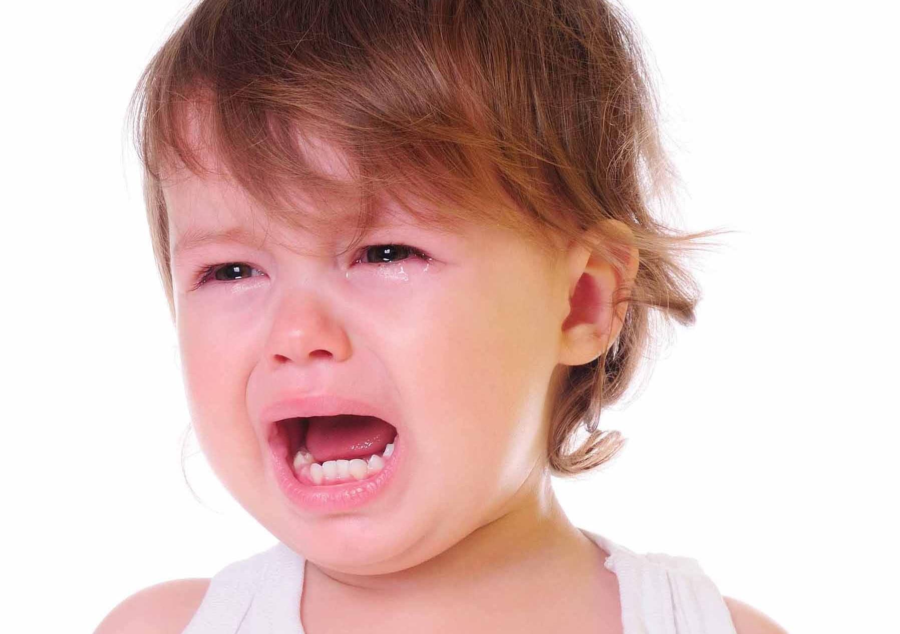 Nghiến răng khi ngủ ở trẻ em có thể do vấn đề tâm lý