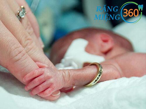 Sâu răng khi mang thai dễ dẫn đến sinh non
