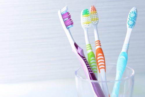 Bàn chải đánh răng - dụng cụ lấy cao răng không thể thiếu