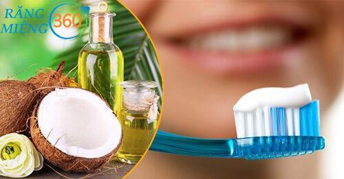 Cách đánh răng bằng dầu dừa