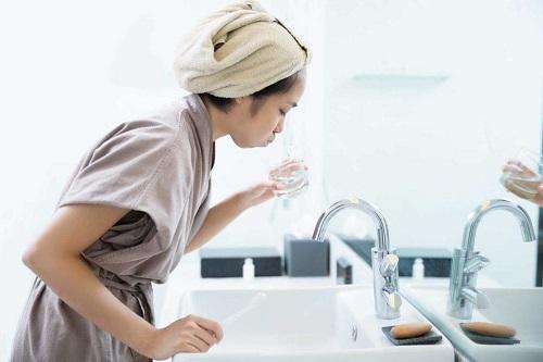cách vệ sinh răng miệng đúng cách cho bé