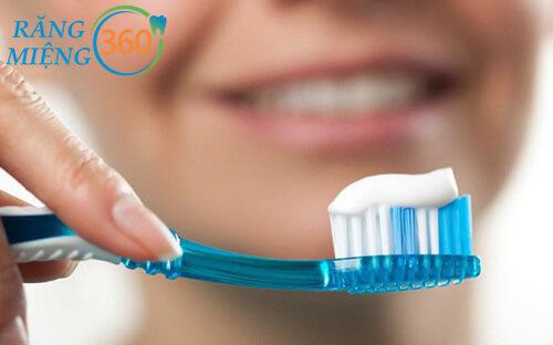 Hướng dẫn đánh răng đúng cách để trắng răng