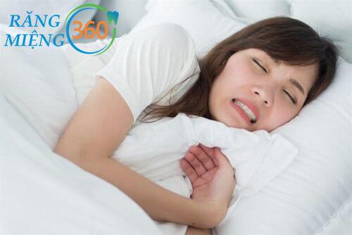 Ngủ nghiến răng là người như thế nào